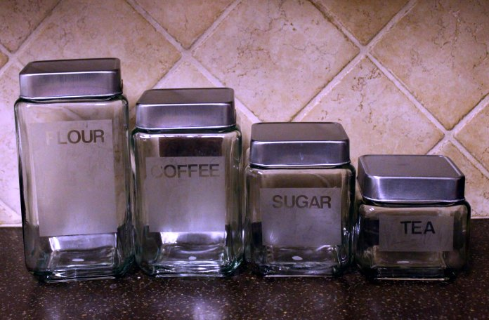 MommaAlwaysKnows Reverse Etching: DIY Glass Canisters